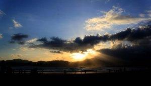 Sunset di Pulau Merah