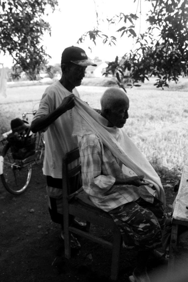 Barber shop kenangan di Stasiun Situbondo  1