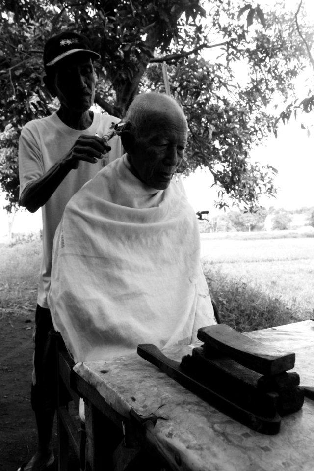 Barber shop kenangan di Stasiun Situbondo  10