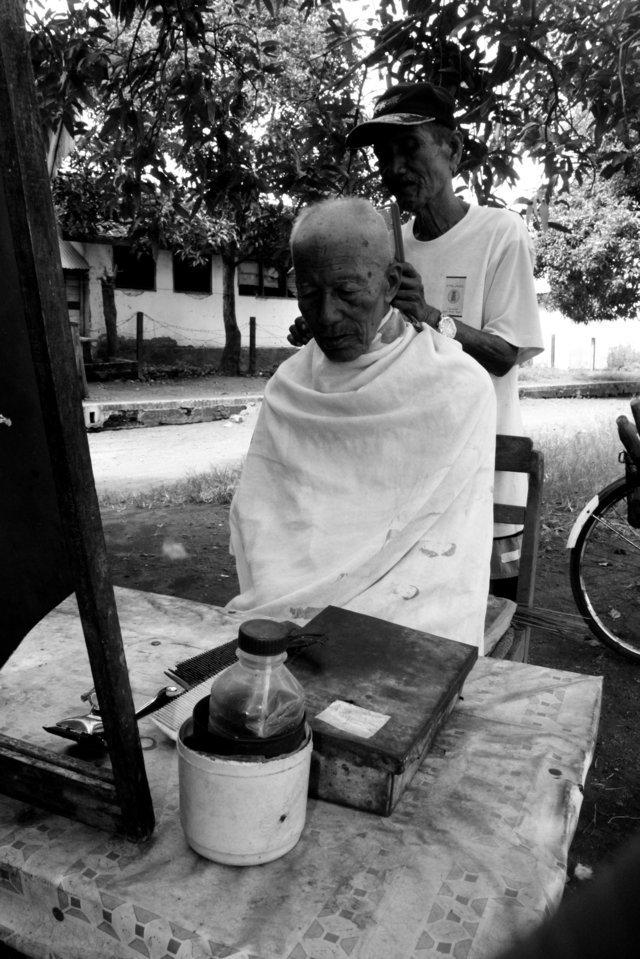 Barber shop kenangan di Stasiun Situbondo  9