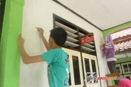 membuat mural
